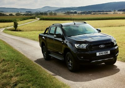 Ford-Ranger-Limited-Black-2