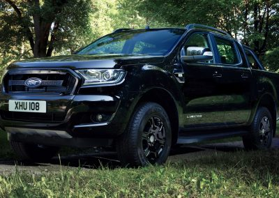 Ford-Ranger-Limited-Black-3