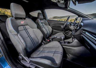 2018FordFiestaST_PerformanceBlue_Interior_02
